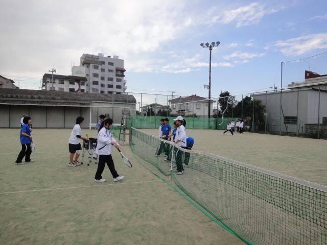 http://www.ariake.kaetsu.ac.jp/club/tennis/DSC03233.JPG