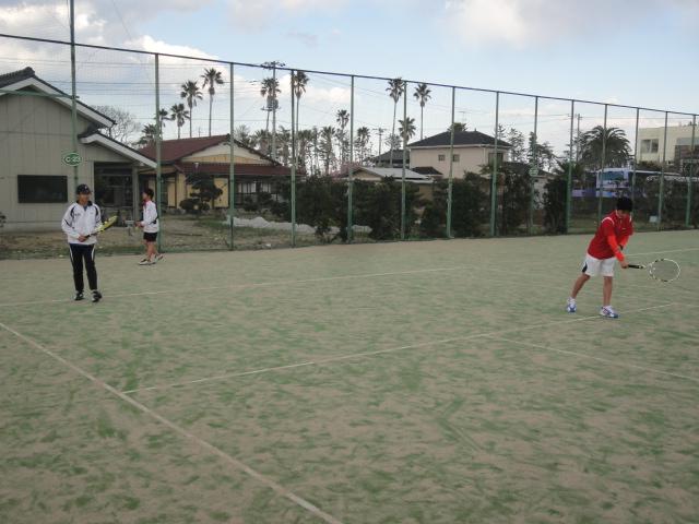 http://www.ariake.kaetsu.ac.jp/club/tennis/DSC03234.JPG