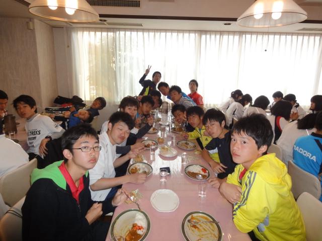 http://www.ariake.kaetsu.ac.jp/club/tennis/DSC03287.JPG