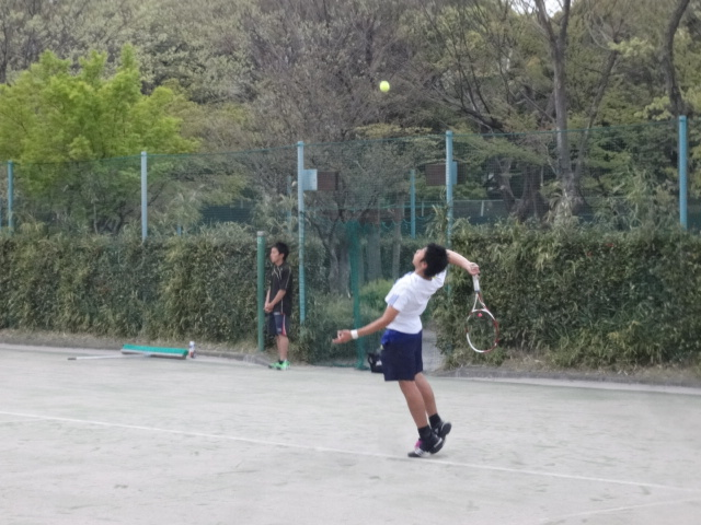 http://www.ariake.kaetsu.ac.jp/club/tennis/DSC03682.JPG