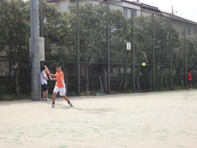 http://www.ariake.kaetsu.ac.jp/club/tennis/DSC03865.JPG