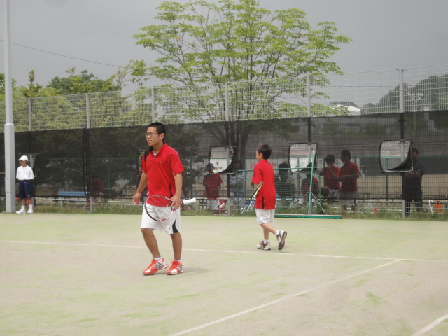 http://www.ariake.kaetsu.ac.jp/club/tennis/DSC04020.JPG