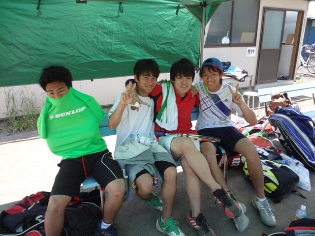http://www.ariake.kaetsu.ac.jp/club/tennis/DSC05427.JPG