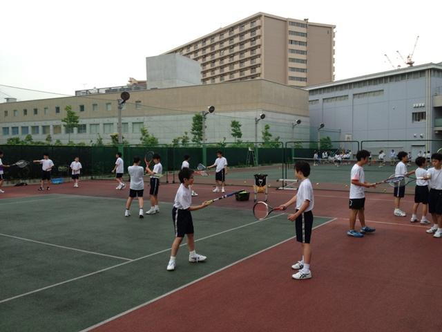 http://www.ariake.kaetsu.ac.jp/club/tennis/IMG_0930.JPG