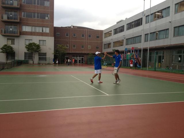 http://www.ariake.kaetsu.ac.jp/club/tennis/IMG_1465.JPG