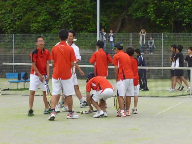 http://www.ariake.kaetsu.ac.jp/club/tennis/P1000277.JPG
