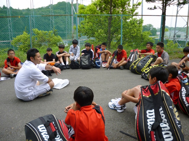 http://www.ariake.kaetsu.ac.jp/club/tennis/P1000325.JPG