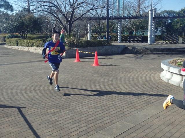 http://www.ariake.kaetsu.ac.jp/club/tennis/P1110016.JPG