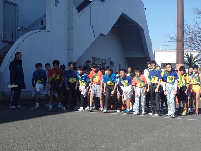 http://www.ariake.kaetsu.ac.jp/club/tennis/P1110038.JPG