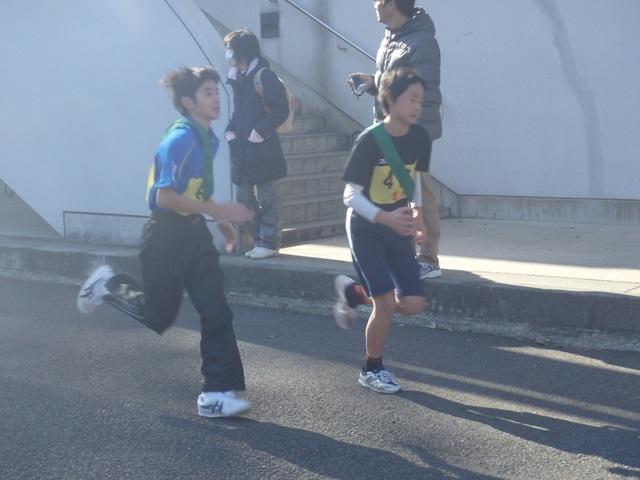 http://www.ariake.kaetsu.ac.jp/club/tennis/P1110042.JPG