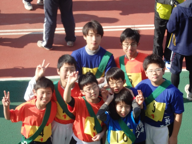 http://www.ariake.kaetsu.ac.jp/club/tennis/P1120350.JPG