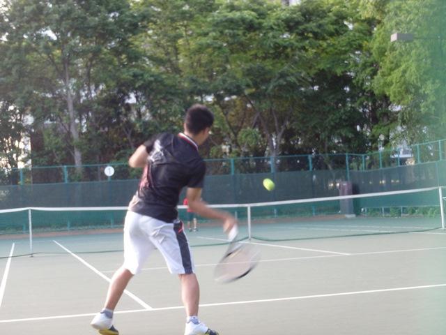 http://www.ariake.kaetsu.ac.jp/club/tennis/P5170230.JPG