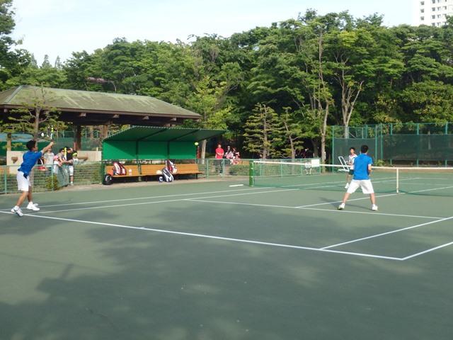 http://www.ariake.kaetsu.ac.jp/club/tennis/P5180264.JPG