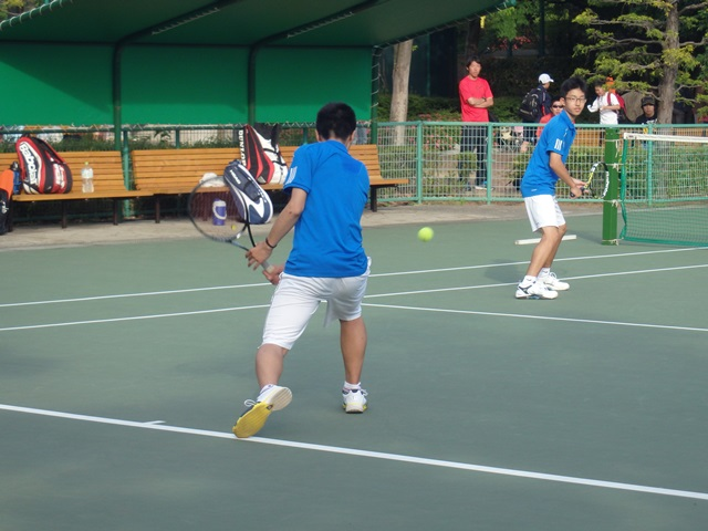 http://www.ariake.kaetsu.ac.jp/club/tennis/P5180268.JPG