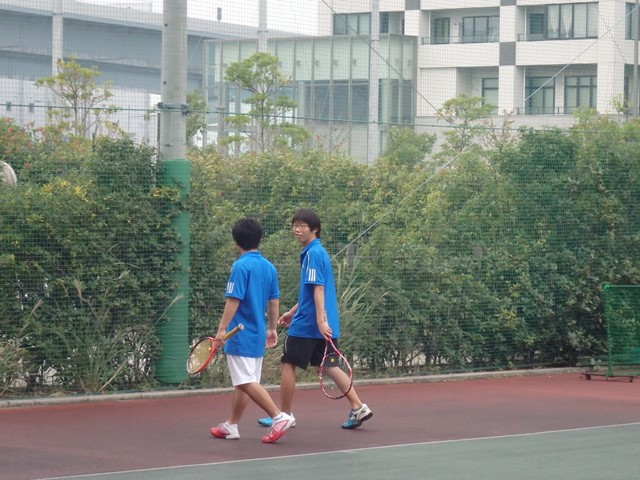 http://www.ariake.kaetsu.ac.jp/club/tennis/PB030259.JPG