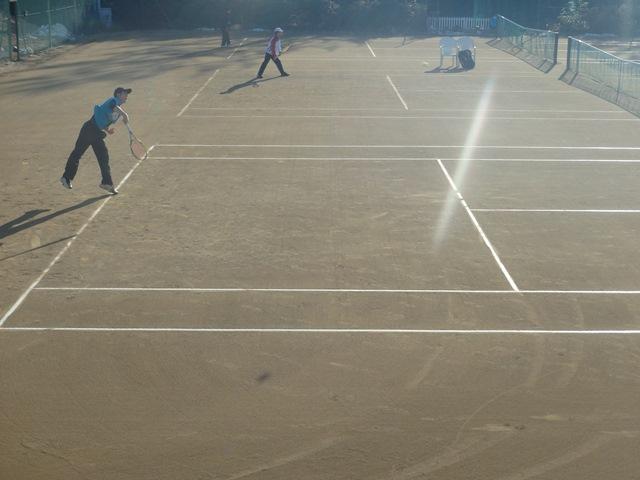 http://www.ariake.kaetsu.ac.jp/club/tennis/PC310196.JPG